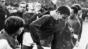 Eusébio's tears after World Cup 1966 semi-final defeat