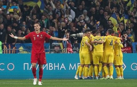Ronaldo nets 700th career goal in Portugal's loss to Ukraine